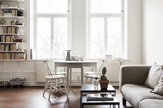 trang trí cửa sổ tối giản
